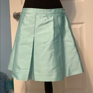Adorable Vineyard Vines pleated skirt